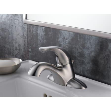 Stainless Delta 520-SSMPU-DST Classic Single Handle Centerset Bathroom Faucet